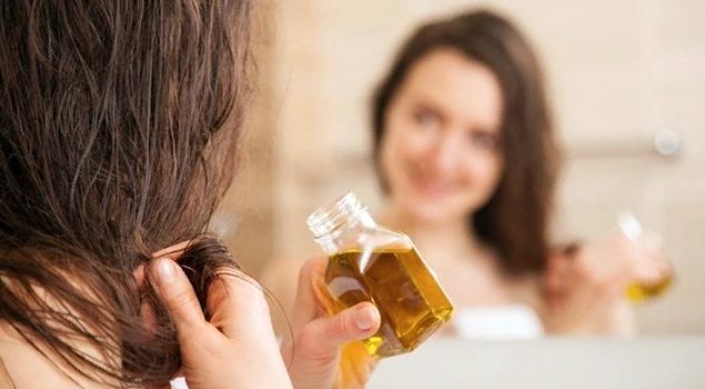 Как мазать волосы маслом
