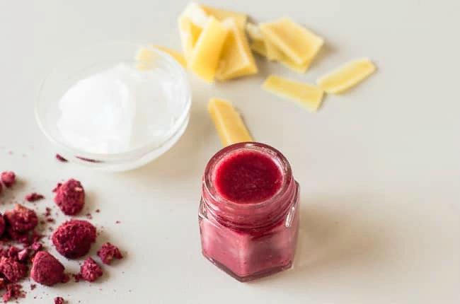 Крем для губ с маслом дикой розы
