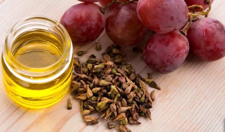 Виноградное масло для сухой кожи лица