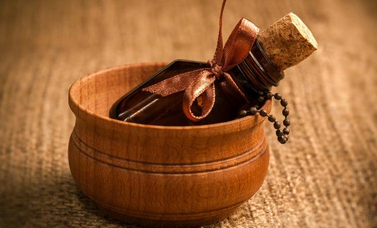 Масло сандалового дерева