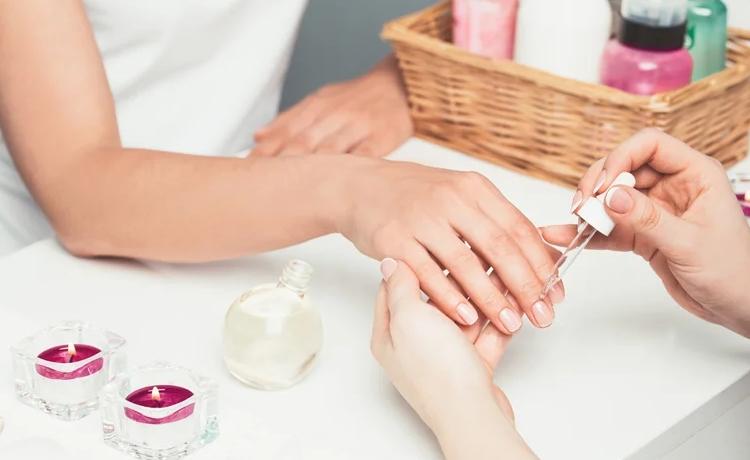 Масло для ногтей - миндальное масло и кожа рук