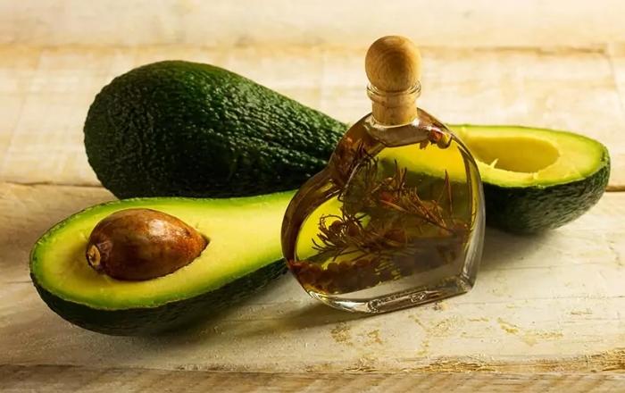 Масло авокадо для ногтей и кутикулы
